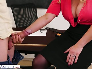 Big bottomed teacher with huge boobs Tyler Faith gets intimate with one of horny students