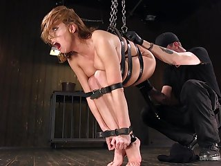 Unique orgasms and anal pleasures for the submissive babe